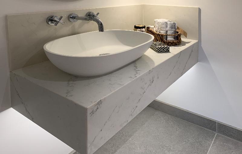 Bathroom sink plinth